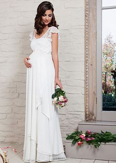 Juliette Maternity Wedding Gown (Ivory) - Maternity Wedding Dresses, Evening Wear and Party Clothes by Tiffany Rose - Hochzeitskleid Dresses For Pregnant Women, Pregnant Wedding Dress, Pregnant Brides, Tiffany Rose, Plus Size Wedding Gowns, Wedding Dresses 2018, Tulle Dress, Chiffon Dress, Maternity Gowns