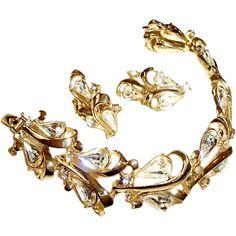 Coro Bracelet Earrings Set Pear Shaped Rhinestones