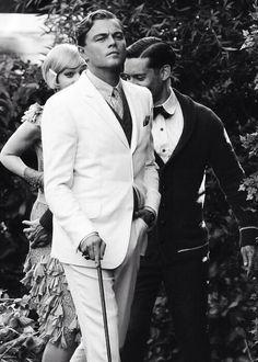 The Great Gatsby: Leonardo DiCaprio, Carey Mulligan and Tobey Maguire. The Great Gatsby 2013, Great Gatsby Fashion, 20s Fashion, O Grande Gatsby, Jay Gatsby, Victoria Tornegren, Photo Trop Belle, Titanic, Hollywood Actor