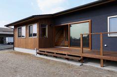 写真05|K様邸/ラフィネ/平屋(H28.4.20更新) Industrial Style Bedroom, Living Place, Cozy Fashion, Minimalist Home, Wall Colors, Tiny House, Garage Doors, Home And Garden, Architecture