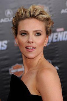 La famosa actriz, cantante y modelo estadounidense Scarlett Johansson cumplirá 31 años el próximo 22 de noviembre. ¡Repasamos sus looks de alfombra roja!