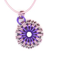 Chainmaille Pendant Pink and Purple Leather Cord por Lehane en Etsy