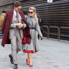 Street Style at Pitti Uomo in Florence Matching Couples, Matching Outfits, Matching Colors, Look Of Young, Look Street Style, Stylish Couple, Modern Gentleman, Couple Outfits, Fashion Couple