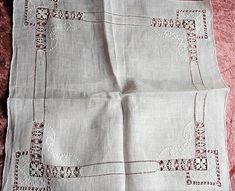 Cat Cross Stitches, Drawn Thread, Wedding Handkerchief, Hardanger Embroidery, Hello Kitty Wallpaper, Bead Loom Patterns, Needle Lace, Bridal Gifts, Loom Beading
