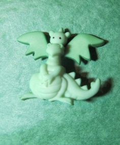 "1 - 7/8"" WINGED DRAGON GREEN PLASTIC SHANK CRAFT EMBELLISHMENT BUTTON - Lot#E102"