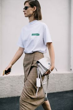 41 Pattern Outfits Every Girl Should Have - Daily Fashion Outfits Vogue Fashion, Look Fashion, Fashion Design, Fashion Rings, Street Fashion, High Fashion, Jupe Short, Milan Fashion Weeks, Fashion Tips For Women