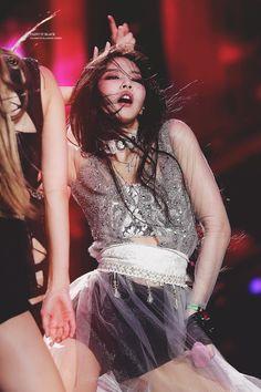 Kim Jennie killing us Blackpink Jennie, Jennie Kwon, Babe, Kpop Girl Groups, Kpop Girls, Black Pink, Blackpink Photos, Kim Jisoo, Entertainment