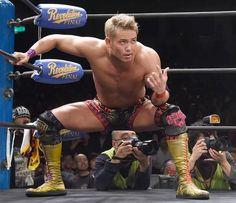 ほら、来いよ‼ Japanese Wrestling, Japan Pro Wrestling, Kazuchika Okada, Hand Pose, Blog Pictures, Professional Wrestling, Muscle, Tabletop Rpg, Dean Ambrose