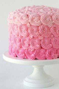 pink swirl cake - wish I was so talented