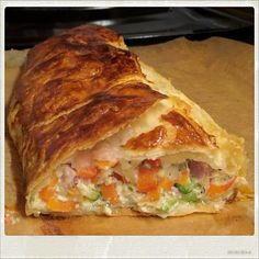 Vegetable strudel by Traudl Easy Crepe Recipe, Dinner Recipes, Dessert Recipes, Party Finger Foods, Party Snacks, Evening Meals, Everyday Food, Convenience Food, Different Recipes