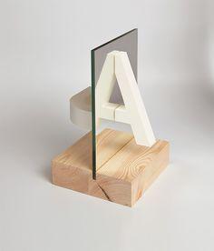Reflexió: Experimental Typography by Ramon Carreté