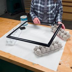 Egg Carton PAINTING PROPS~ Keep a few empty egg cartons with the rest of your painting supplies. They're great for lifting a small project off of a work surface, making it easier to paint nooks and crannies and along the base of the project. Cord Storage, Bag Storage, Pipe Insulation, Painting Tools, Painting Hacks, House Painting, Painting Frames, Cardboard Tubes, Rubber Bands
