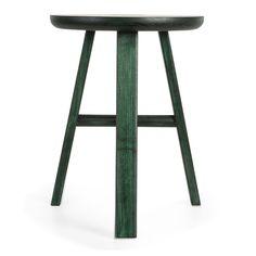 Sarah pall från Village, design Staffan Holm. En väldigt minimalistisk och lätt pall. En perfekt lit...