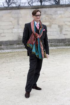 Paris Street Style - Iwould get him into scarves