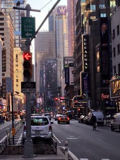 Time Square - New York-Been there.one of my favorite places. New York Life, Nyc Life, City Aesthetic, Travel Aesthetic, All The Bright Places, City Vibe, City That Never Sleeps, Dream City, Concrete Jungle
