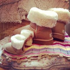 Mama + Baby girl matching uggs! Ahhhh so cute!!!! Definitely have to have this!!!