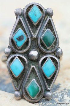Vintage Southwestern Zuni Sterling Silver Turquoise Ring