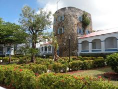 Saint Thomas Bluebeard's Castle Resort U.S. Virgin Islands, Central America and Caribbean Set in a prime location of Saint Thomas, Bluebeard's Castle Resort puts everything the city has to offer just outside your doorstep. The hotel has everything you need for a comfortable stay. To be found at the hotel are Wi-Fi in public areas, car park, restaurant, laundry service, poolside bar. Air conditioning, heating, mini bar, balcony/terrace, alarm clock can be found in selected gues...