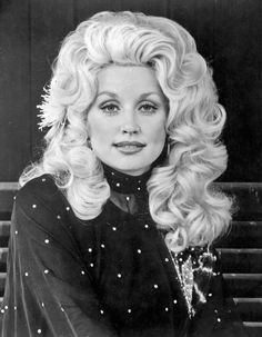 Young Dolly Parton in Black Se. is listed (or ranked) 4 on the list Pictures Of Young Dolly Parton Dolly Parton Tattoos, Dolly Parton Quotes, Dick Cheney, Dolly Parton Young, Divas Pop, Dolly Parton Pictures, Country Music Singers, Country Artists, Star Wars