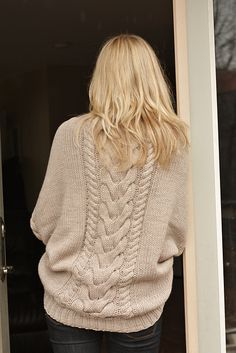 Ravelry: Chateau pattern by Melissa Schaschwary Handgestrickte Pullover, Knitwear Fashion, How To Purl Knit, Pulls, Look Fashion, Autumn Winter Fashion, Dame, Knitting Patterns, Knitting Tutorials