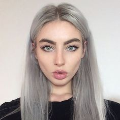 You should go for Grey Hair Trend through natural ways. A few photos of grey hair is shown below. Grey Hair Trend is one of the latest trends. Silver Hair Girl, Silver Grey Hair, Silver Hair Tumblr, Long White Hair, Grey Hair Wig, Blonde Hair, Dyed Gray Hair, Lilac Hair, Dye Eyebrows