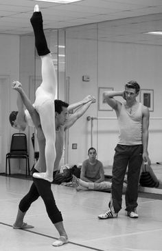 another amazing ballet lift, wow!
