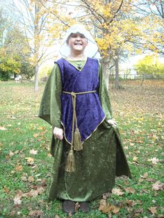 Medieval princess costume - made using a pattern I found on pinterest.  Added a pinafore and head veil.  Easy!  and cute!  :)