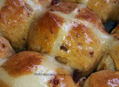Vegan Hot Cross Buns for Easter Holiday | matchamochi