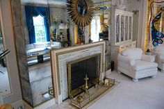 Elvis Presley's Living Room Inside the Graceland Mansion, Memphis, Tennessee …