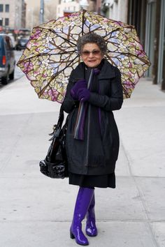Lady in purple boots. Style And Grace, My Style, Rock Style, Purple Boots, Lady, Beautiful Old Woman, Under My Umbrella, Purple Umbrella, Feminine Fashion
