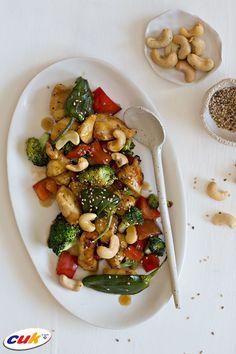 Receta de Bandeja de Pollo CUK con verduras y anacardos Kung Pao Chicken, Ethnic Recipes, Food, Chicken Recipes, Vegetables, Trays, Eten, Meals, Diet