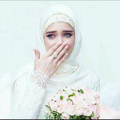 Muslim bride by elena- Hijabi Wedding, Muslimah Wedding Dress, Muslim Wedding Dresses, Muslim Brides, Muslim Women, Bridal Dresses, Muslim Girls, Hijab Niqab, Mode Hijab