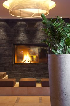 Das Bergland Design- und Wellnesshotel Sölden is the design hotel in the Ötztal valleay in on of the most beautiful skiing and hiking areas in Tyrol. Design Hotel, Vintage Nautical Decor, Hotel Austria, One With Nature, Snow Skiing, Berg, Cosy, Living Room, Places