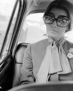 """au-fil-de-mes-reves-d-amour: """" Sophia Loren by Elio Sorci, Rome, 1970 """" Vintage Hollywood, Hollywood Glamour, Classic Hollywood, Carlo Ponti, Timeless Beauty, Classic Beauty, Vintage Beauty, Vintage Fashion, Vintage Style"""
