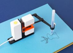 Line-us Robot Drawing Arm. Explore STEM/STEAM learning and creative Robotics (Via Gadget Flow)