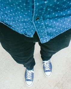 Even though it's hot here in Texas you can still stay stylish by choosing the right fabrics. A chambray shirt breathable pants/jeans and classic converse sneakers for a spring win! . . . . . #menswear #ootdshare #gentlemanculture #instadaily #instastyle #dapperlydone #style #fashion #blogger #styleinfluencer #moderndad #culture  #inspiration #daily #quoteoftheday #themanity #houston #springstyle #dresstoimpress #instagood  #instafashion #fashionblogger #latino #fablatinos #moderndad…