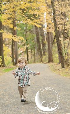 Little boy Fall Little Boys, Family Photography, Maternity, Hipster, Children, Fall, Style, Young Children, Autumn