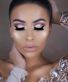 """8,441 Likes, 46 Comments - Stila Cosmetics (@stilacosmetics) on Instagram: """"The stunning @amrezy, in our ⭐Glitter & Glow ⭐Liquid Eyeshadow in Bronzed Bell. ✨❤ This one's…"""""""