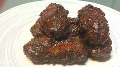 QUE BUENO ES COMER: Alitas de pollo fritas picantes con salsa barbacoa.