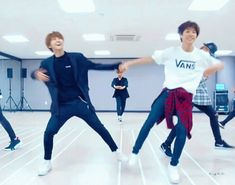 The perfect Nct Dancing Animated GIF for your conversation. Discover and Share the best GIFs on Tenor. Dancing Animated Gif, Gif Dance, Nct 127, Polyamorous Relationship, Nct Group, Huang Renjun, Korean Aesthetic, Nct Taeyong, Na Jaemin