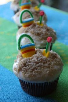 too cute! premade sugar beach pails and shovels, brown sugar for sand