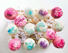 Cake pops and adult lollipops by The Social Pops. Brand highlight with Cobourg business owner. Pop Up Market, Some Recipe, Lollipops, Cake Pops, Highlights, Drink, Business, Gifts, Handmade