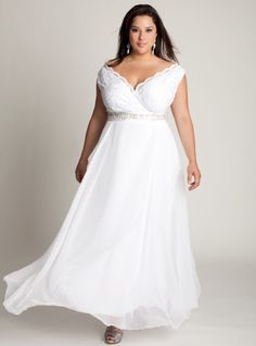 Cap Sleeve Plus Size Wedding Dress, Plus size wedding gowns ~ Feenwedding. Plus Size Brides, Plus Size Wedding Gowns, Best Wedding Dresses, Bridal Dresses, Bridesmaid Dresses, Gown Wedding, Casual Bridesmaid, Maternity Wedding, Bhldn Wedding