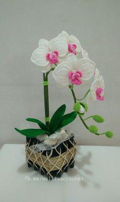 Best 11 Crochet Flower Pattern for Calla Lily by Happy Patty Crochet – SkillOfKing. Crochet Cactus, Crochet Leaves, Knitted Flowers, Beaded Flowers, Crochet Flower Tutorial, Crochet Flower Patterns, Flower Applique, Crochet Home, Irish Crochet
