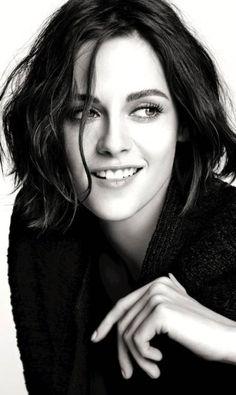 Praticamente Única: [ATUALIZADO] Kristen Stewart está maravilhosa na nova campanha de maquiagens da Chanel!
