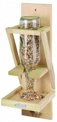 Great idea and recycling! Bird Tables, Vendor Booth, Esschert Design, Bird Feeders, Woodworking Projects, Repurposed, Recycling, Outdoor Decor, Diy