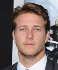 Luke Bracey, another pretty boy from down under, crikey! There must be a genetic laboratory producing these handsome specimens! Luke Bracey, Hair Styles 2014, Attractive Men, In Hollywood, Pretty Boys, New Hair, Easy Hairstyles, Actors & Actresses, Famous People