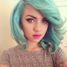 Cute hair colors and styles / Green pastel hair
