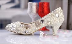 a9fa76913ed2 2013 Luxurious Imitation Pearl Wedding Dress Shoes Bridal Shoes Beige and White  color Woman Prom Party Shoe Comfortabel Med Heel