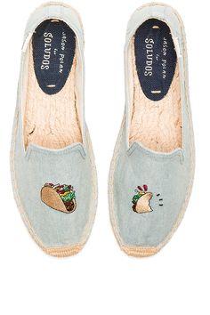 Zapatos de Revolve Clothing  http://stylelovely.com/revolveclothing/2017/01/24/zapatos-para-un-look-de-oficina-de-revolve-clothing/